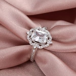 NEW 925 Silver Emerald Cut Halo Ring